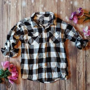 Girls black white plaid button down shirt 6 6X